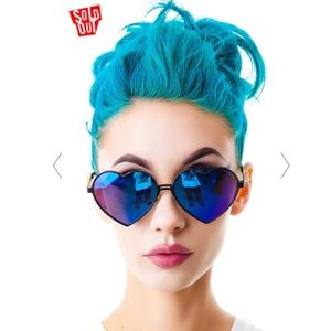 Lolita Deluxe heat shaped sunglasses💙